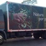 Caminhão da Transmiura Adesivado para Evento da Natura